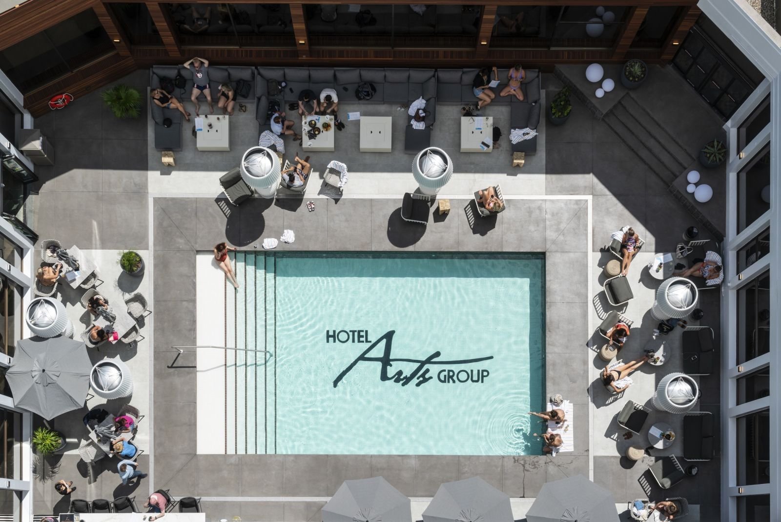 Hotel Arts Pool